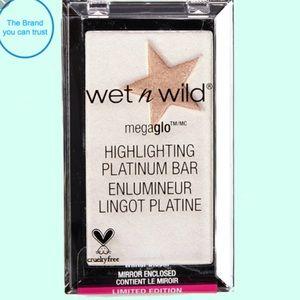 Wet N Wild MegaGlow Platinum Bar Winter Bloom